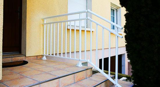 garde-corps-blanc-escalier | Thézé Fermeture