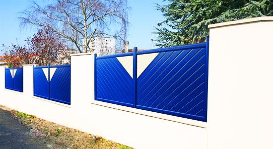 cloture-aluminium-bleu-moderne-motif